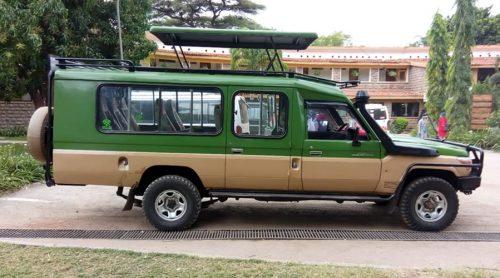 tour_car1